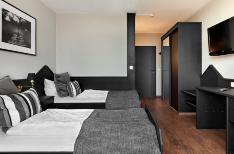 TRYP by Wyndham Bad Bramstedt Hotel triple bed room